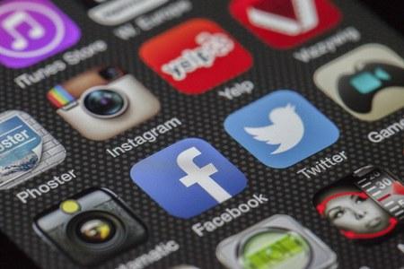 Seguici sui nostri social